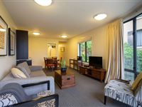 2 Bedroom Garden Suite - Peppers Beacon